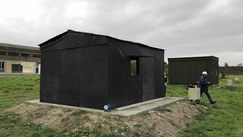 'Flat pack' recyclable emergency shelters