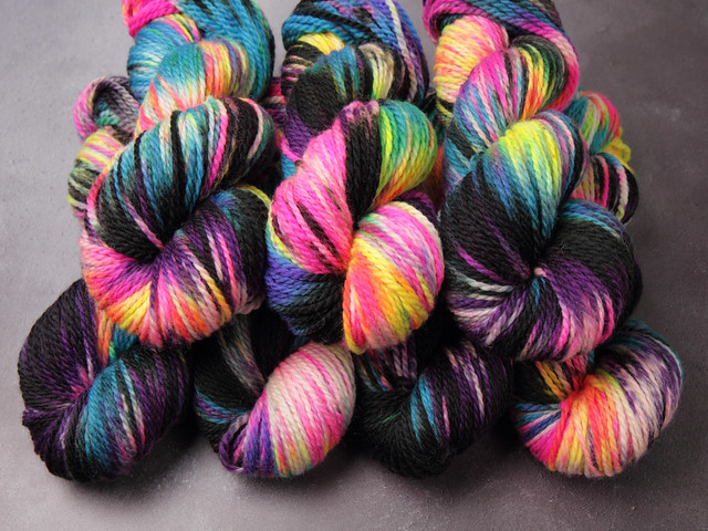 Awesome Aran – pure British Bluefaced Leicester wool superwash hand-dyed yarn 100g – 'Shinjuku'