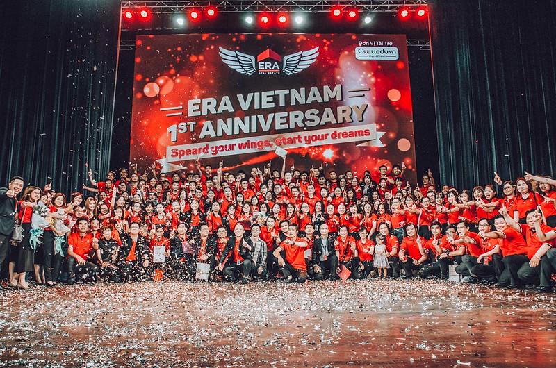 ERA Vietnam - 1st Anniversary tập thể