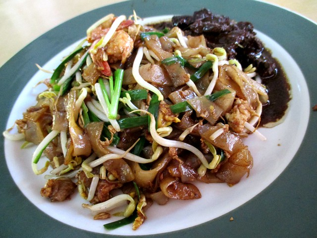 Colourful Cafe char kway teow & masak hitam beef 2