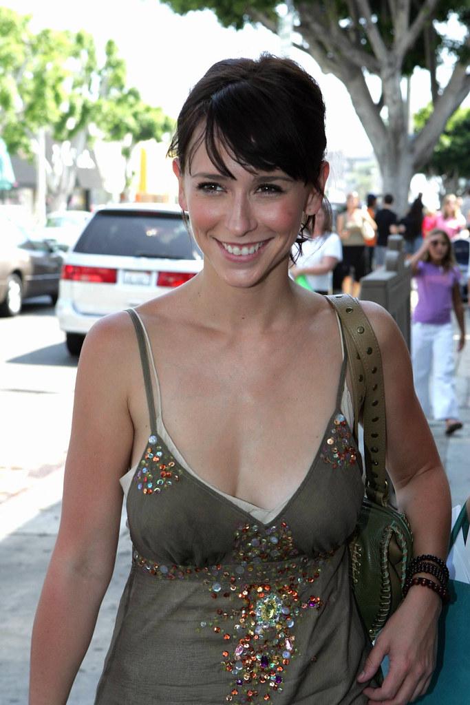 foto de Traje escotado (12) Jennifer Love Hewitt de compras con
