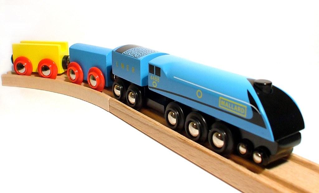 mallard   Wooden toy train - used 30 or so sheets of A4 on ... Mallard Train Toy