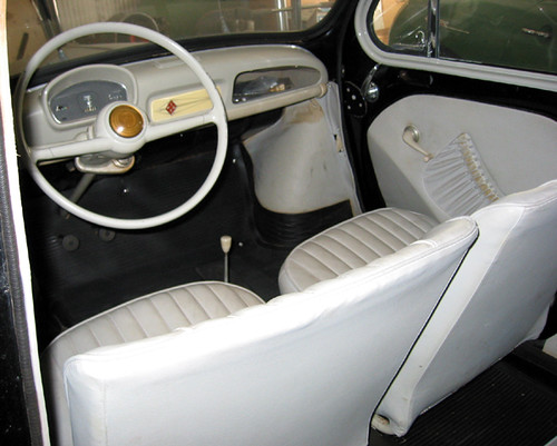 Renault 4cv interieur avant larry flickr for Interieur 4cv