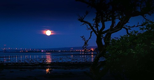 kessock moon | by Colin Campbell (Bruiach)