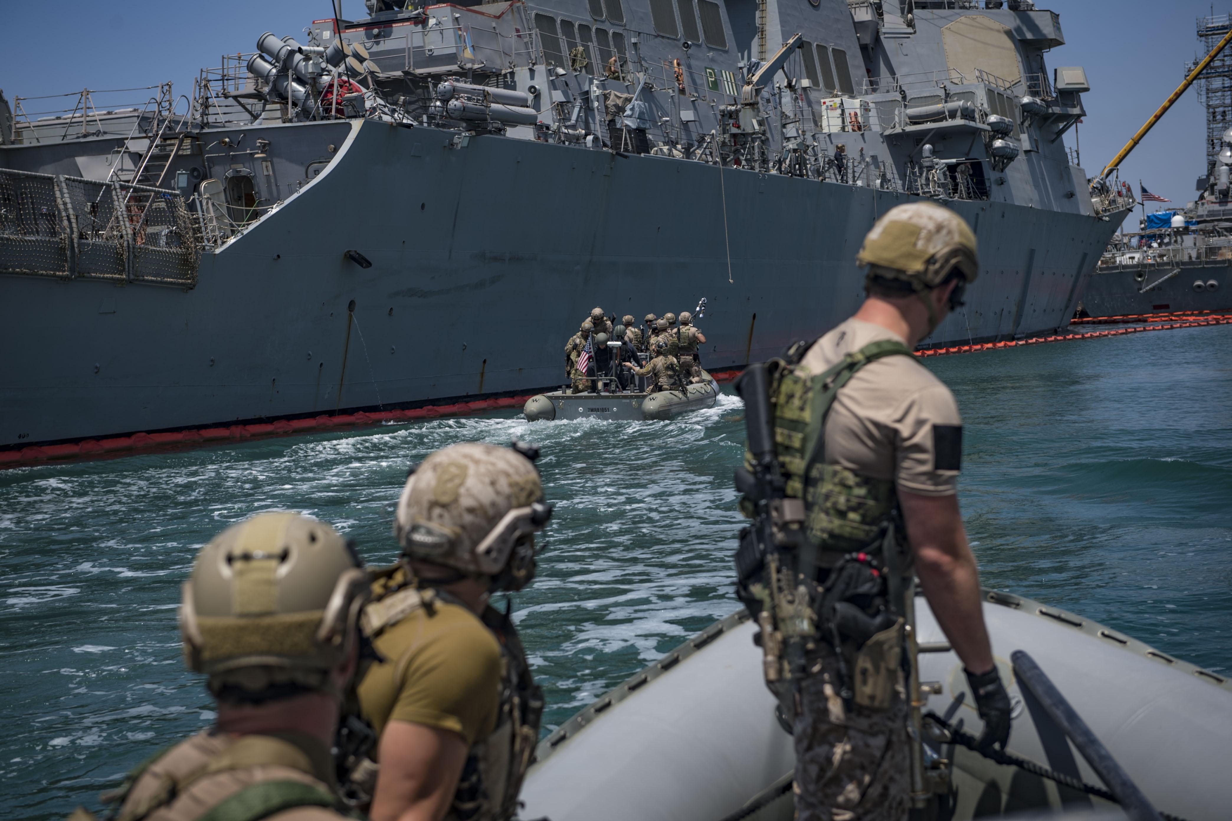 US Navy SEALs VBSS Drill Onto USS Porter (4176 x 2784) : MilitaryPorn