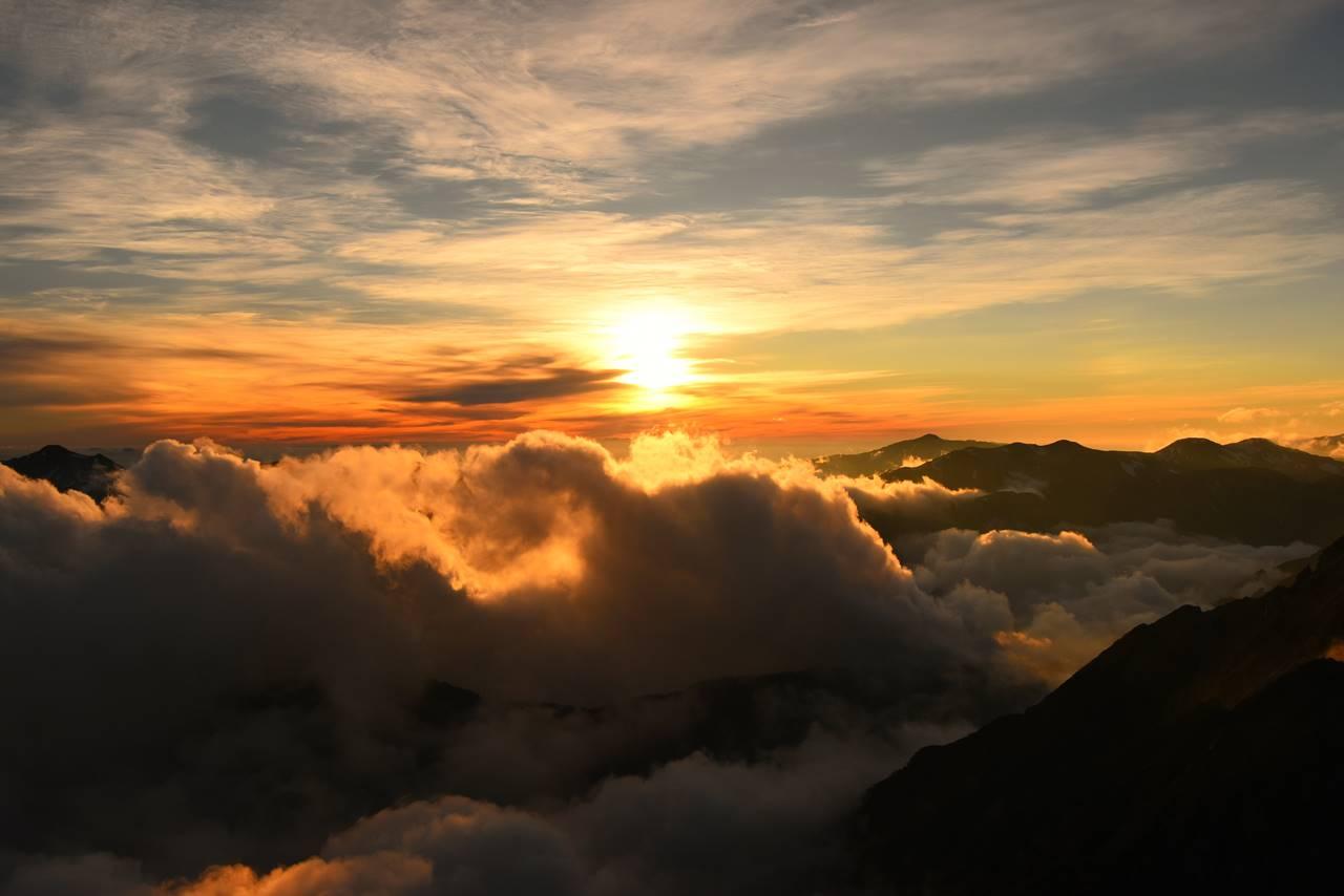 夕陽と雲海