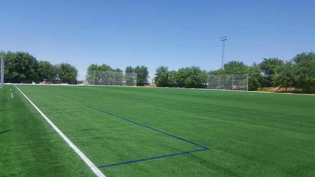 """AionSur 42537717535_5a74d21bb7_z_d Nuevo césped para el campo de fútbol de complejo deportivo """"Miguelete"""" Marchena"""