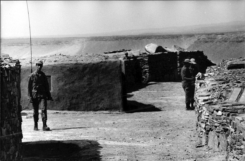 Le conflit armé du sahara marocain - Page 10 43345102972_ba64cc0b1c_o