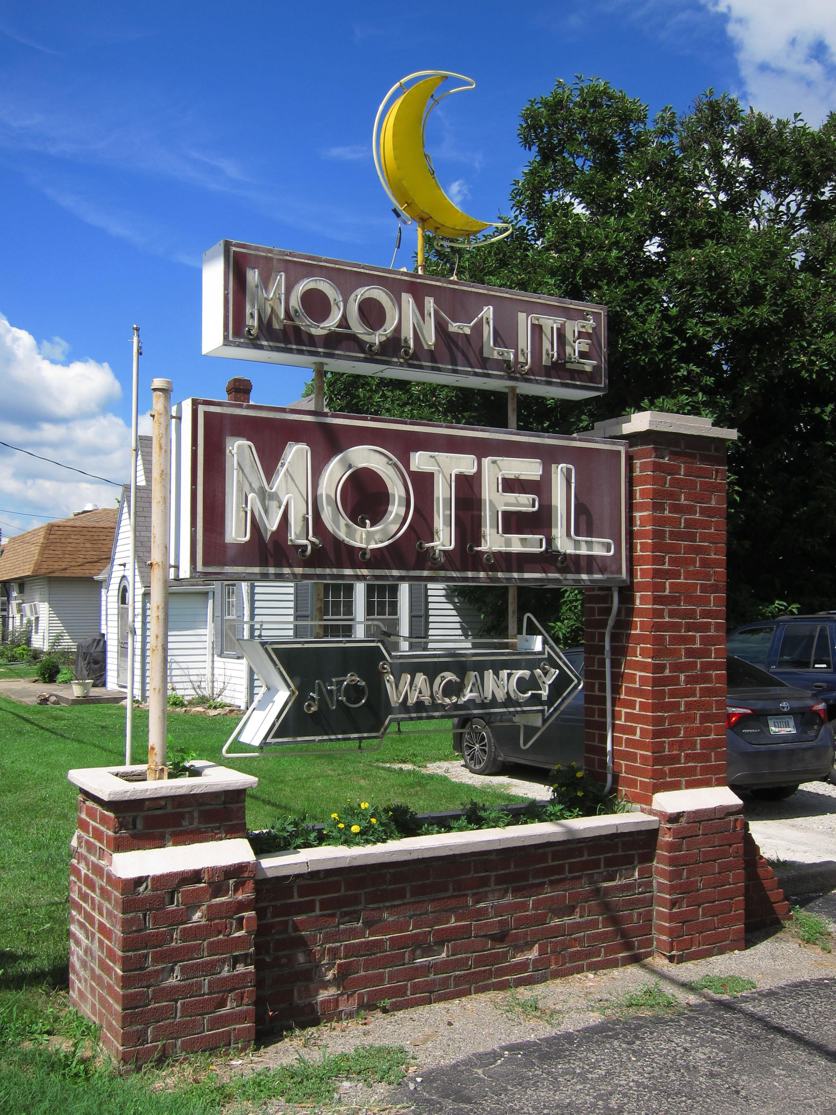 Moon-Lite Motel - 520 South Adams Street, Versailles, Indiana U.S.A. - July 6, 2018
