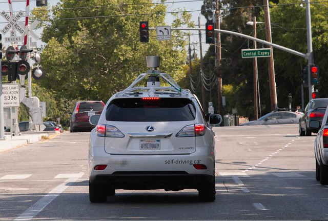 self-driving-lexus-testing-silicon-valley