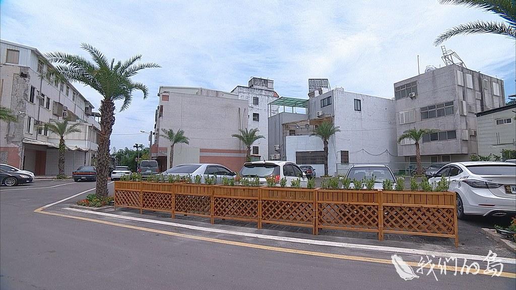 963-1-02s花蓮大震距今已經五個月,當時倒塌的幾棟大樓,早已整平成為停車場,看不出一點震災痕跡。