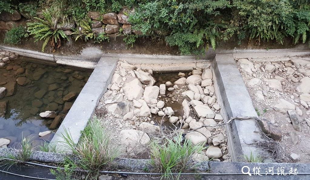 4_中游的水泥護岸與密集的固床工