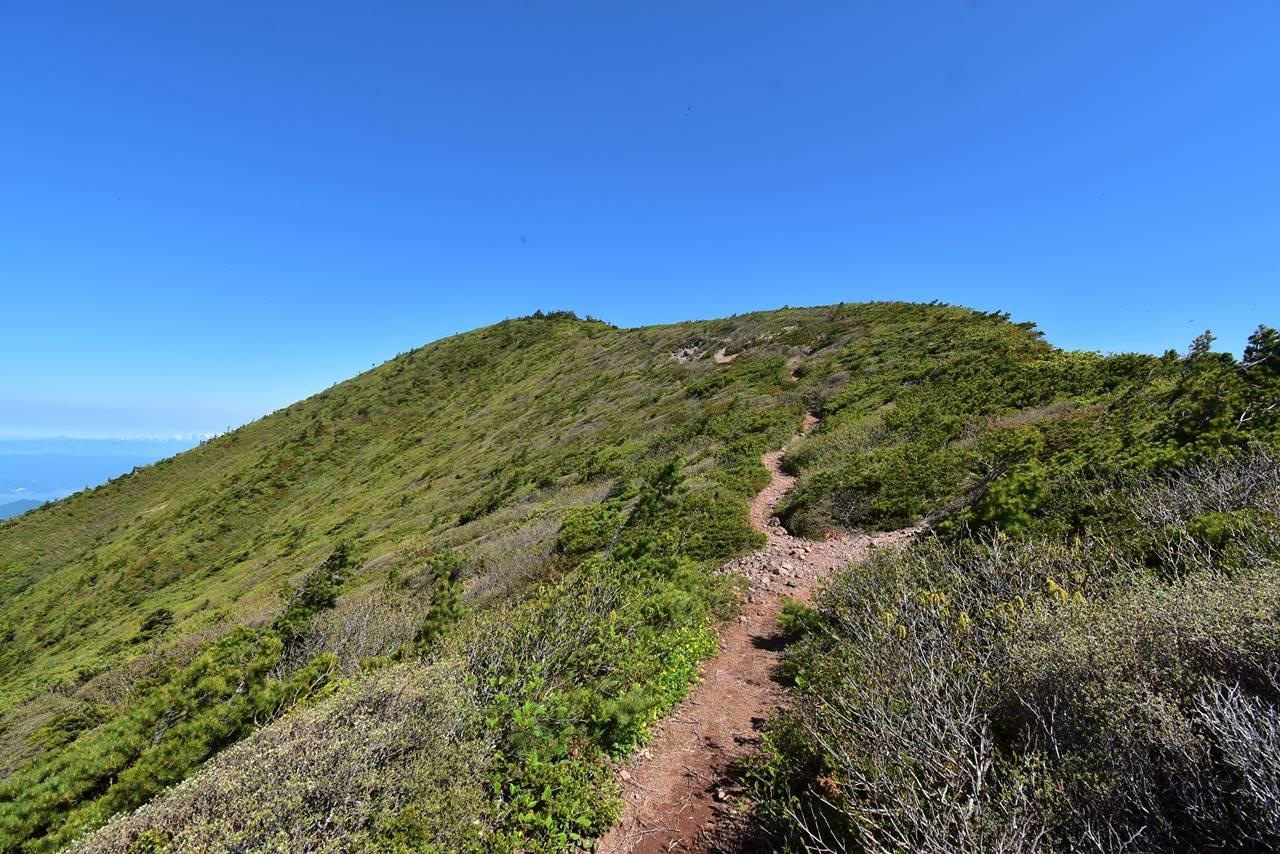 蔵王連峰縦走 屏風岳への稜線登山