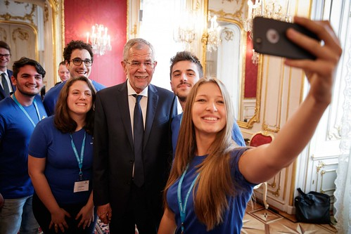 EuroApprentices taking a selfie with Dr Alexander Van der Bellen, the president of Austria