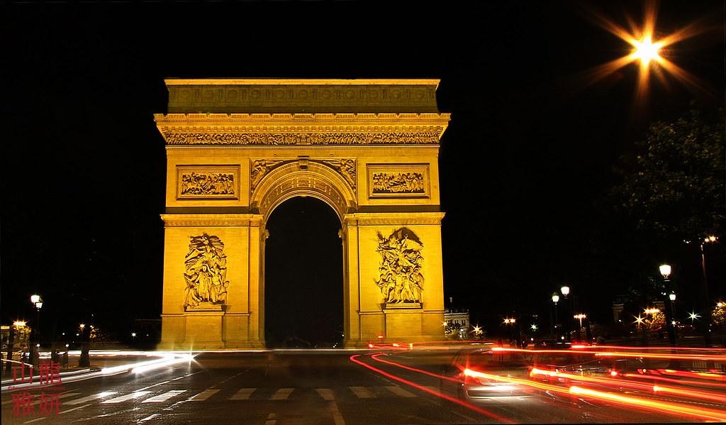 l arc de triomphe at night l arc de triomphe in paris on t flickr