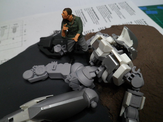 Défi moins de kits en cours : Diorama figurine Reginlaze [Bandai 1/144] *** Nouveau dio terminée en pg 5 - Page 2 43613046662_66732922bb_z