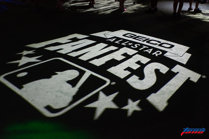 官方舉辦為期5天的「球迷嘉年華」(FanFest)活動很有看頭。(駐美特派王啟恩/華盛頓特區攝)