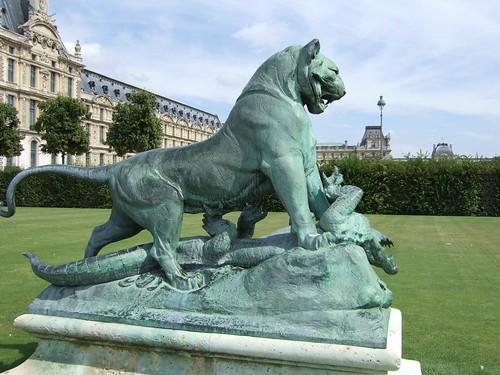 Lion vs crocodile statue jardin des tuileries happy a - Statues jardin des tuileries ...