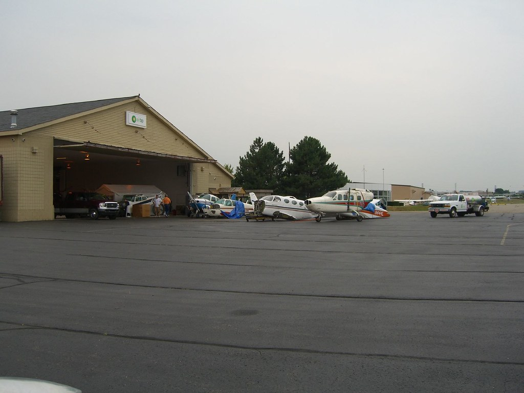 The Chopped Up Planes of Oakland/Troy KVLL   I landed in fro
