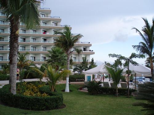Hotel Riu Cancun Booking