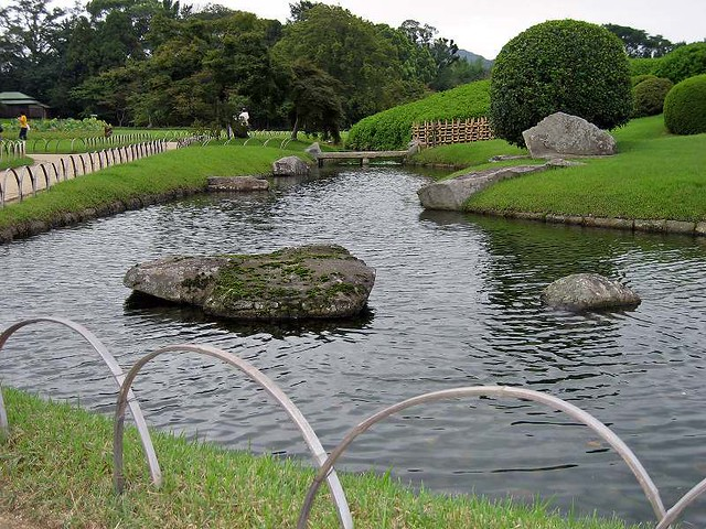 A artificial pond in kourakuen iotaman flickr for Artificial pond