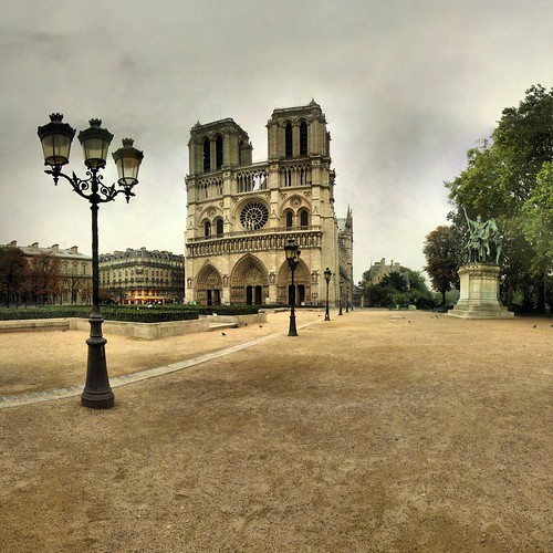 Notre Dame de Paris - 17-09-2006 - 8h06 | by Panoramas