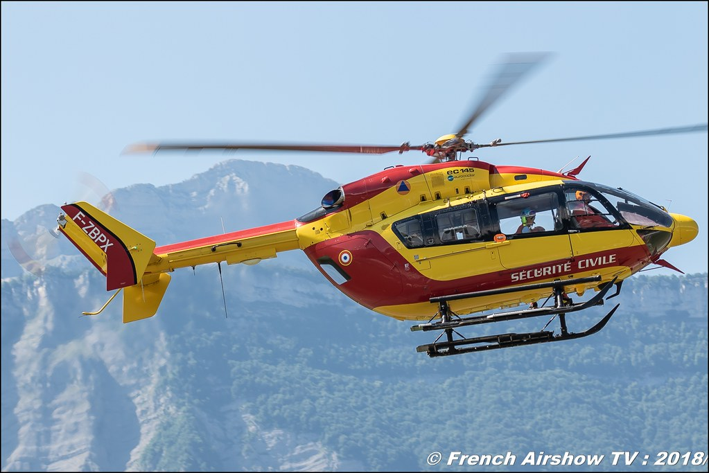 EC145 Sécurité civile , Grenoble Air Show -Versoud 2018 , Meeting Aerien Meeting Grenoble , Alpes Dauphiné , alpes , Canon EOS , Sigma France , contemporary lens , Meeting Aerien 2018