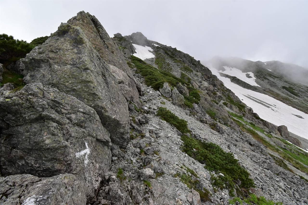 天狗池から南岳小屋までの岩場