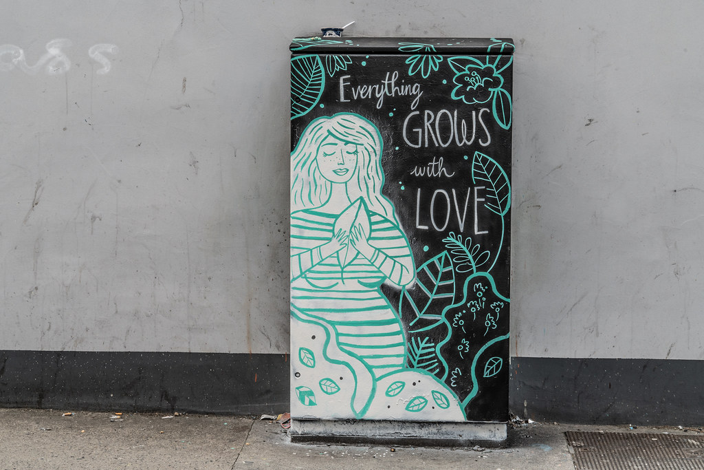 EVERYTHING GROWS WITH LOVE - KAREN HARTE 004