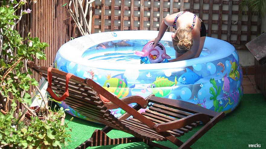 piscina para niños en terraza de un ático