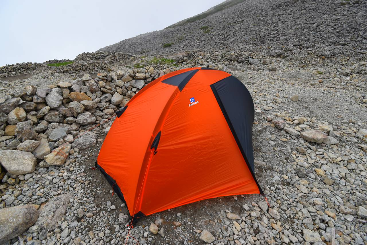 南岳小屋のテント場
