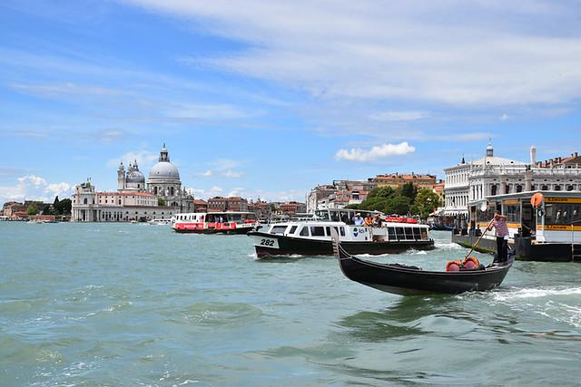 Vaporetto arrival, Venice
