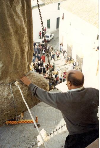 AionSur 43812192682_1068f6a0b0_d Piden firmas para que la patrona de Arahal vuelva a la fachada de su iglesia Arahal Semana Santa
