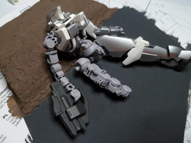 Défi moins de kits en cours : Diorama figurine Reginlaze [Bandai 1/144] *** Nouveau dio terminée en pg 5 - Page 2 29748490258_9d70cd5e1e_c
