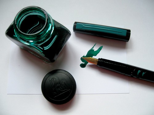 Pelikan Go! with Pelikan 4001 Brilliant Green Ink | by pigpogm