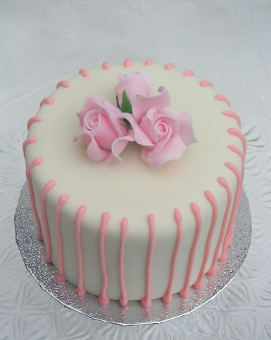 Images Of B Day Cake For Mom : Mother s Day Cake A mini fruitcake covered in ivory ...