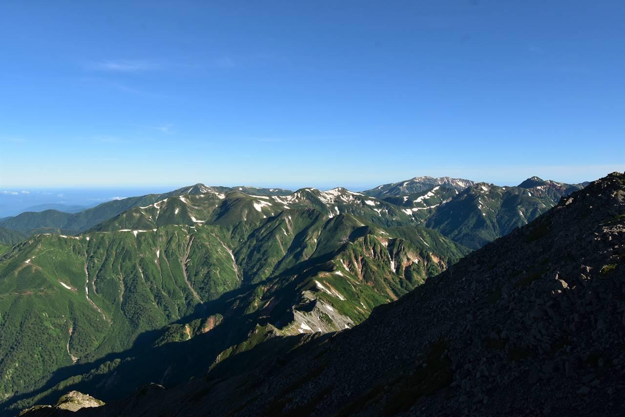 中岳~槍ヶ岳稜線から裏銀座の展望