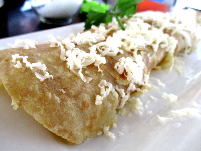 The Cafe IND cheese egg roll
