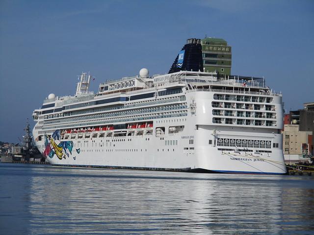 2018/4/9-挪威寶石號郵輪於基隆港