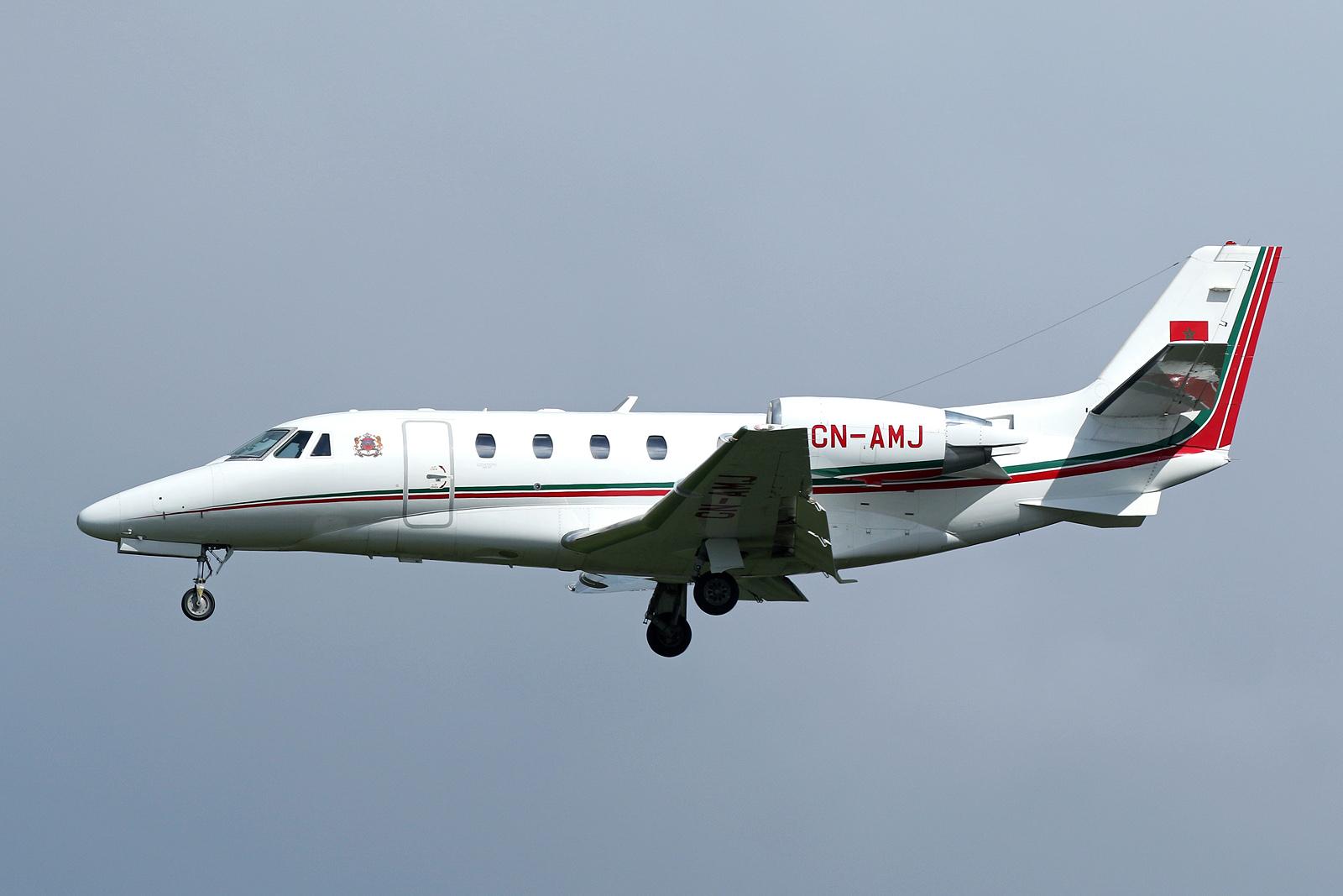 FRA: Avions VIP, Liaison & ECM - Page 19 41457969022_771801aaf2_o