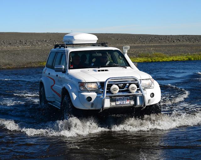 Islandia en 4x4 vadeando rios