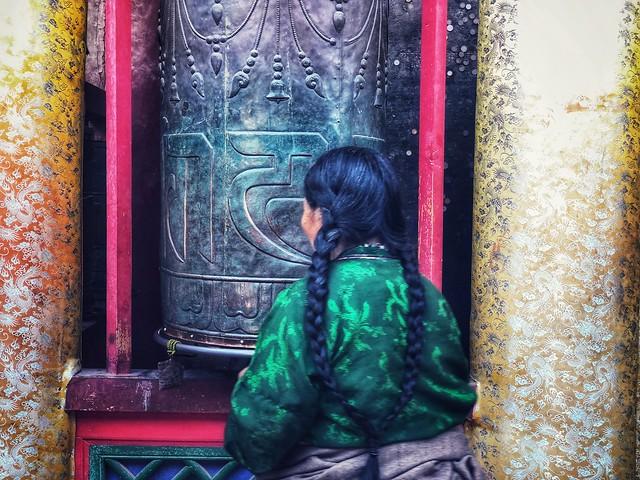 Peregrina en el Templo Kumbum (Qinghai, China)