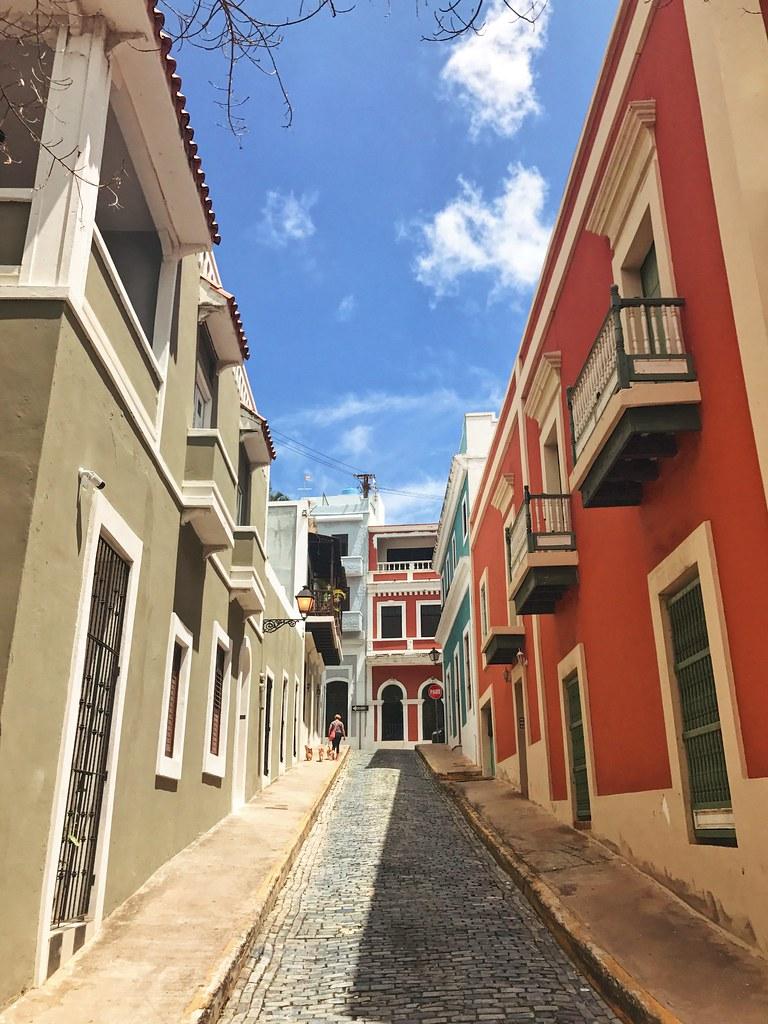 Calle de Cristo in San Juan