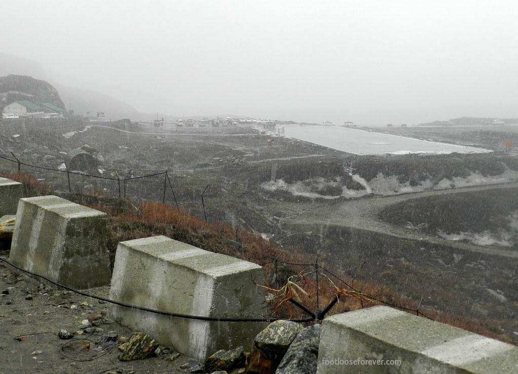 snowfall, nathula, sikkim, himalayas