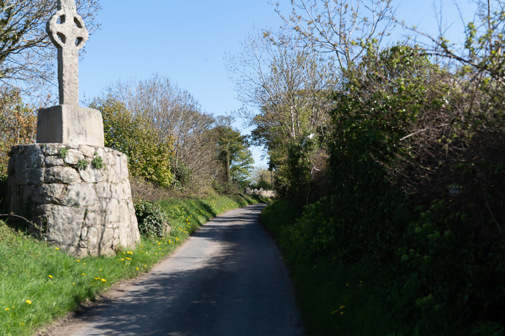 HIGH CROSS NEAR TULLY CHURCH 003