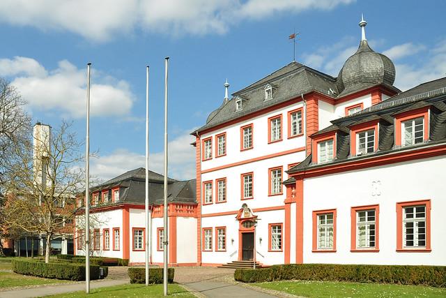 Hundheimsches Schloss in Ilvesheim ... Barockschloss ... Blindenschule ... Foto: Brigitte Stolle