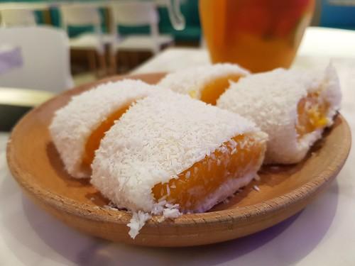 Mango Rice Rolls