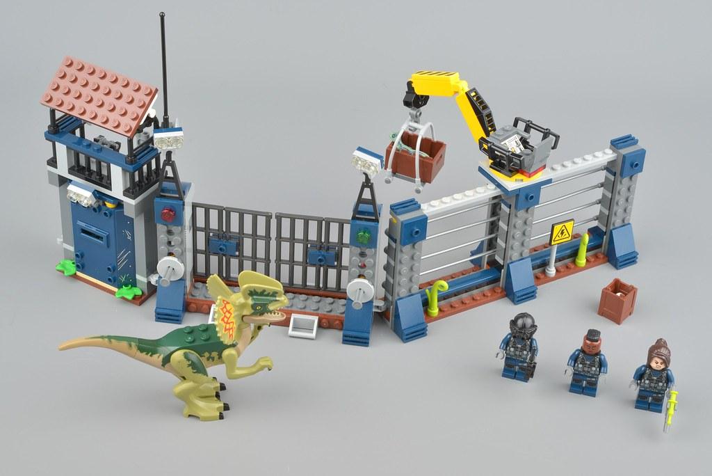 LEGO Jurassic World Dilophosaurus Outpost Attack 75931 75933 Baby Raptor Only!