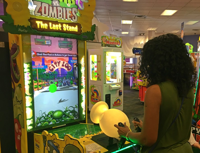 Chuck E. Cheese's restaurant unlimited games
