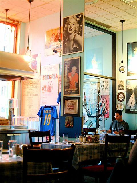 Presco Presto Restaurant Rue Montmartre Paris